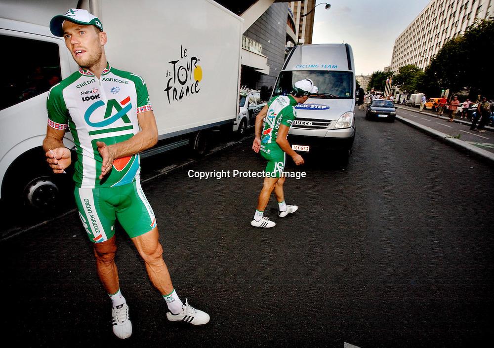 Paris, 20080727: Thor Hushovd og William Bonnet etter siste etappe av Tour de France.....Foto: Daniel Sannum Lauten/Dagbladet