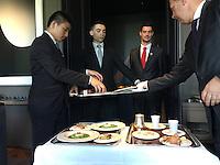 service at Restaurant Guy Savoy