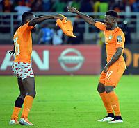 Fotball<br /> Afrika Cup / Afrikamesterskapet<br /> 08.02.2015<br /> Ghana v Elfenbenskysten<br /> Finale<br /> Foto: Panoramic/Digitalsport<br /> NORWAY ONLY<br /> <br /> Joie des Ivoiriens : Max Alain Gradel avec Serge Alain Stephane Aurier (CIV) <br /> <br /> Ghana vs Ivory Coast - Final - CAF 2015