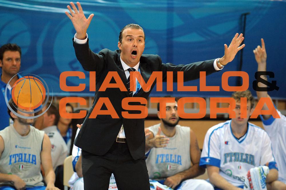 DESCRIZIONE : Capodistria Koper Slovenia Eurobasket Men 2013 Preliminary Round Italia Grecia Italy Greece<br /> GIOCATORE : Simone Pianigiani<br /> CATEGORIA : Delusione<br /> SQUADRA : Italia<br /> EVENTO : Eurobasket Men 2013<br /> GARA : Italia Grecia Italy Greece<br /> DATA : 08/09/2013<br /> SPORT : Pallacanestro&nbsp;<br /> AUTORE : Agenzia Ciamillo-Castoria/Max.Ceretti<br /> Galleria : Eurobasket Men 2013 <br /> Fotonotizia : Capodistria Koper Slovenia Eurobasket Men 2013 Preliminary Round Italia Grecia Italy Greece<br /> Predefinita :
