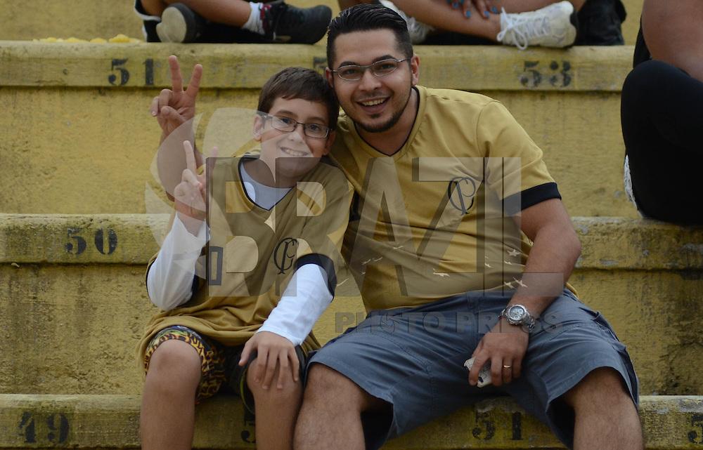 SAO PAULO SP, 16  MARCO 2013 - Paulistao 2013 - CORINTHIANS X UNIAO BARBARENSE  -  torcida durante partida valida pelo campeonato paulista de 2013 no Estadio do Pacaembu em Sao Paulo, neste sabado, 16. (FOTO: ALAN MORICI / BRAZIL PHOTO PRESS).