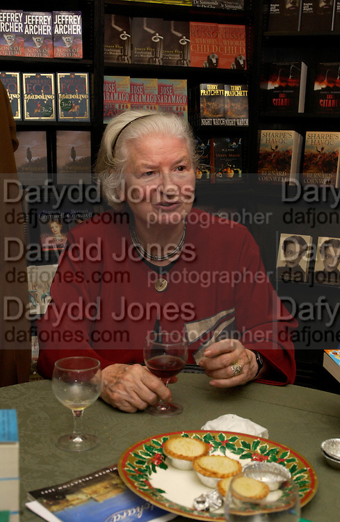 P.D. James, Hatchards christmas party, Piccadilly, 4 December 2003. © Copyright Photograph by Dafydd Jones 66 Stockwell Park Rd. London SW9 0DA Tel 020 7733 0108 www.dafjones.com