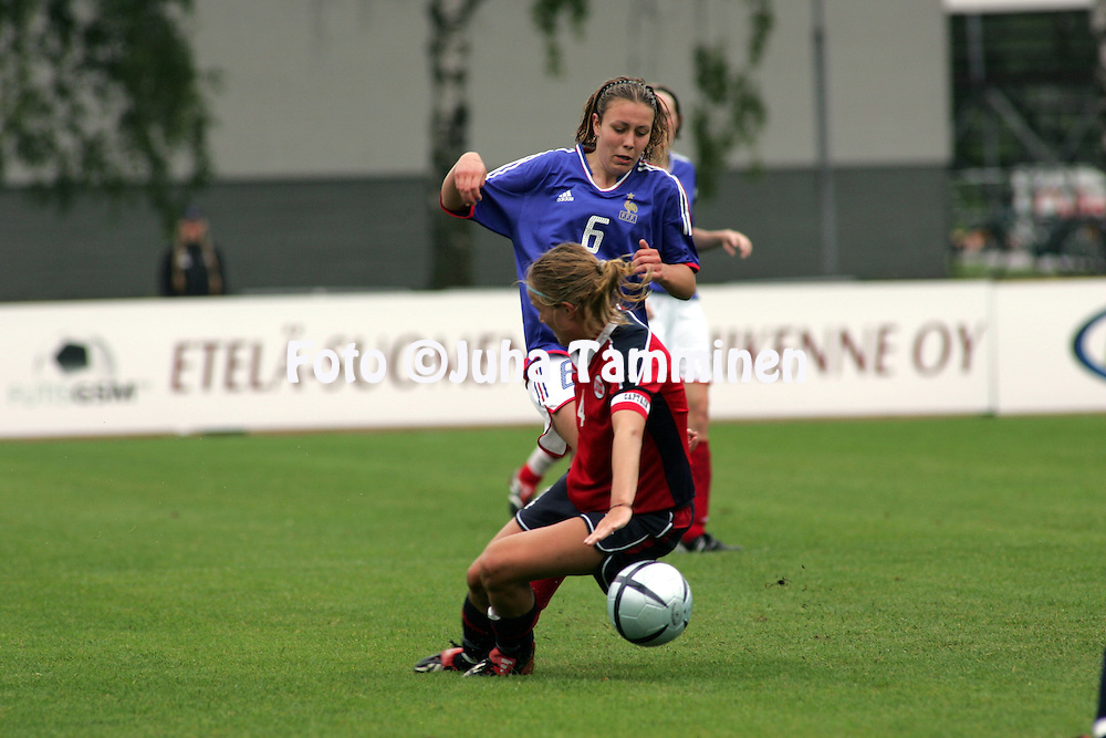 28.07.2004, Hyvink??, Finland..UEFA Women's Under-19 European Championship.Group B, Norway v France.Nathalie Jarosz (France) v Anneli Giske (Norway).©Juha Tamminen.....ARK:k
