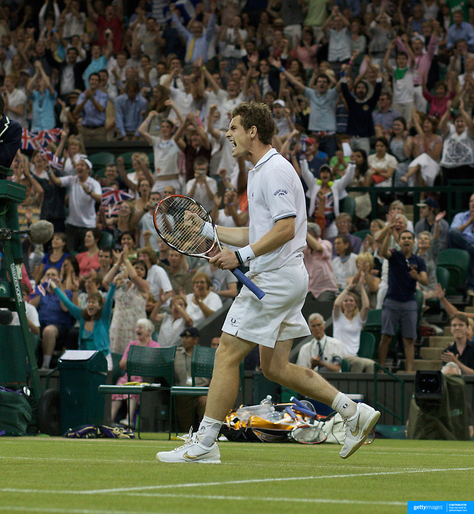 Andy Murray, Great Britain, celebrates a point while winning a marathon five set match against Stanislas Wawrinka , Switzerland, at the All England Lawn Tennis Championships at Wimbledon, London, England on Monday, June 29, 2009. Photo Tim Clayton.