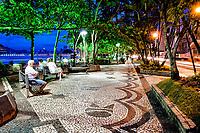 Calçadão da Avenida Atlântica. Balneário Camboriú, Santa Catarina, Brasil. / <br /> Sidewalk of Atlantica Avenue. Balneario Camboriu, Santa Catarina, Brazil.