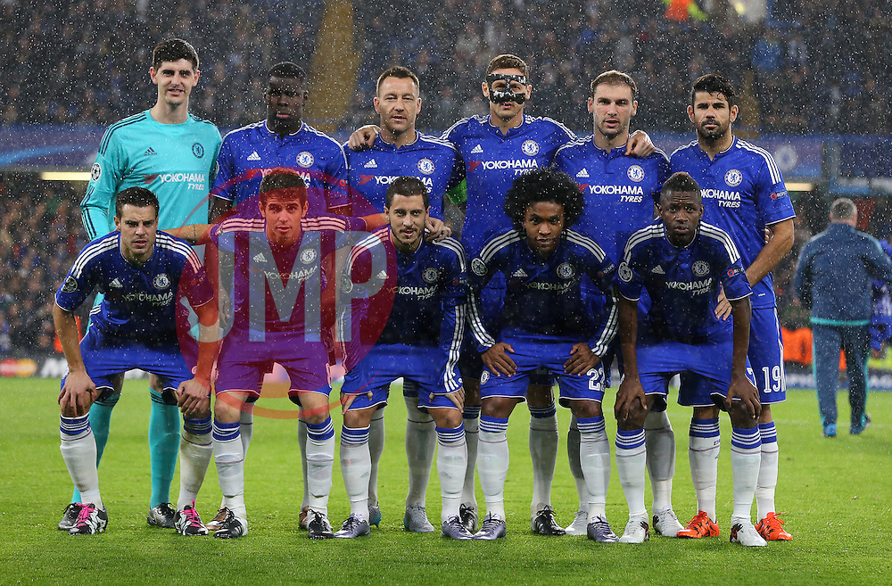 The Chelsea team line up for a photo - Mandatory byline: Paul Terry/JMP - 09/12/2015 - Football - Stamford Bridge - London, England - Chelsea v FC Porto - Champions League - Group G