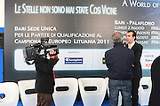BARI 11.04.2010<br /> PIAZZA FERRARESE-SALA MURAT<br /> CONFERENZA STAMPA DI PRESENTAZIONE DEGLI INCONTRI<br /> DI QUALIFICAZIONE AI CAMPIONATI EUROPEI 2011<br /> NELLA FOTO INTERVISTA AL COACH DELLA NAZIONALE ITALIANA SIMONE PIANIGIANI