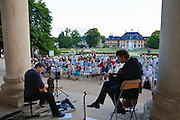 Elbhangfest, Musik vor dem Schloss Pillnitz, Dresden, Sachsen, Deutschland.|.Elbhangfest (feast), concert, Pillnitz Castle, Dresden, Germany