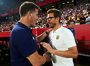 SEVILLE, SPAIN - AUGUST 10: Head Coach of Sevilla FC Eduardo Berizzo (L) shake hands with Head Coach of AS Roma Eusebio Di Francesco (R) during a Pre Season Friendly match between Sevilla FC and AS Roma at Estadio Ramon Sanchez Pizjuan on August 10, 2017 in Seville, Spain. (Photo by Aitor Alcalde/Getty Images)