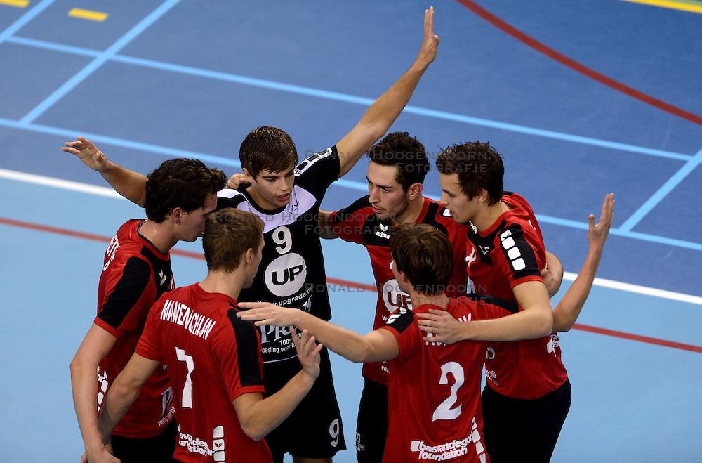 18-10-2014 NED: Draisma Dynamo - Prins/VCV, Apeldoorn<br /> VCV verslaat Dynamo met 3-2 / Peter Ogink