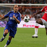 NLD/Amsterdam/20080808 - LG Tournament 2008 Amsterdam, Ajax v Arsenal, Gabri in duel met William Gallas