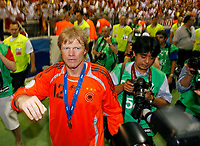 Photo: Glyn Thomas.<br />Germany v Portugal. Third Place Playoff, FIFA World Cup 2006. 08/07/2006.<br /> Germany's Oliver Kahn waves to the fans.