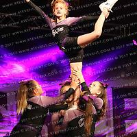 6081_Kick Twist Cheerleading Breadsticks