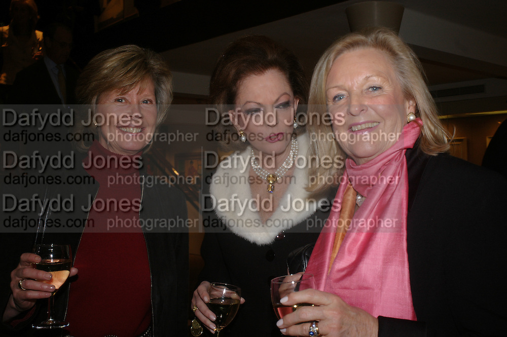 Mrs. Nick Peto, Mrs. John Mackinnon and Mrs. Mark Burrell. 'The Road to Abtsraction' an exhibition of paintings by Rosita Marlborough. the Fleming Collection. 13 Berkeley St. London W1. 31 March 2005. ONE TIME USE ONLY - DO NOT ARCHIVE  © Copyright Photograph by Dafydd Jones 66 Stockwell Park Rd. London SW9 0DA Tel 020 7733 0108 www.dafjones.com