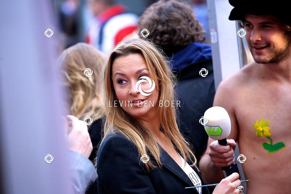 AMSTERDAM - In discotheek De Escape op het Rembrandtplein zijn weer de Rembrandt Awards 2012 uitgereikt.  Met op de foto Cynthia Abma. FOTO LEVIN DEN BOER - PERSFOTO.NU