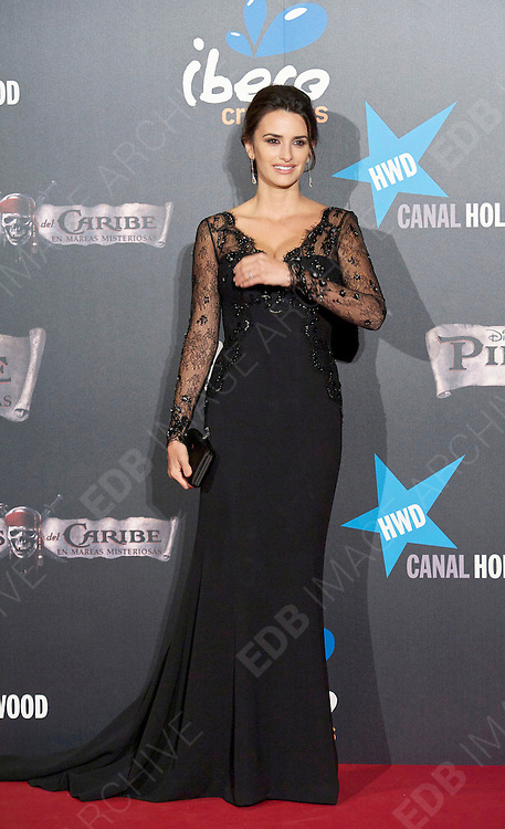 18.MAY.2011 MADRID<br /> <br /> PENELOPE CRUZ AT THE PIRATES OF THE CARIBBEAN: ON STRANGER TIDES PREMIERE AT THE KINEPOLIS CINEMA IN MADRID, SPAIN.<br /> <br /> BYLINE: EDBIMAGEARCHIVE.COM<br /> <br /> *THIS IMAGE IS STRICTLY FOR UK NEWSPAPERS AND MAGAZINES ONLY*<br /> *FOR WORLD WIDE SALES AND WEB USE PLEASE CONTACT EDBIMAGEARCHIVE - 0208 954 5968*