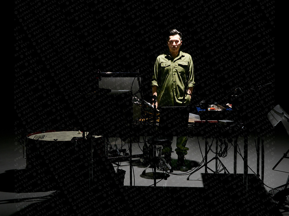 Portrait of Hongkong based soundartist Samson Young