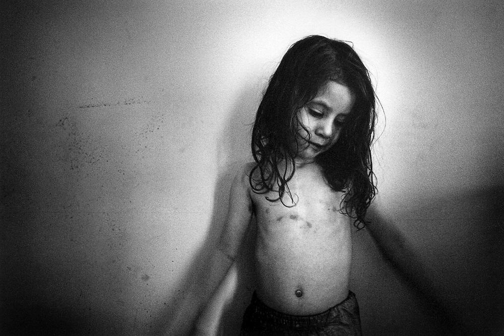 Paris, janvier 2000. Leila, 3 ans et demi.