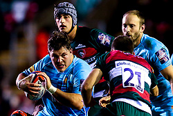 Ethan Waller of Worcester Warriors takes on Ben White of Leicester Tigers - Mandatory by-line: Robbie Stephenson/JMP - 03/11/2018 - RUGBY - Welford Road Stadium - Leicester, England - Leicester Tigers v Worcester Warriors - Gallagher Premiership Rugby