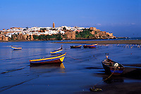 Maroc, Rabat, L'oued Regreg et la Kasbah des Oudaïas // Oued (river) Bou Regreg, with Kasbah of Oudaïas in background, Rabat, Morocco