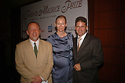TIM LOTT, TILDA SWINTON AND ANDREW MILTON, GENERAL MANAGER OF THE CONSTANCE LE PRINCE MAURICE ,  LE PRINCE MAURICE PRIZE 2006. PRINCE MAURICE HOTEL. MAURITIUS. 27 May 2006. ONE TIME USE ONLY - DO NOT ARCHIVE  © Copyright Photograph by Dafydd Jones 66 Stockwell Park Rd. London SW9 0DA Tel 020 7733 0108 www.dafjones.com