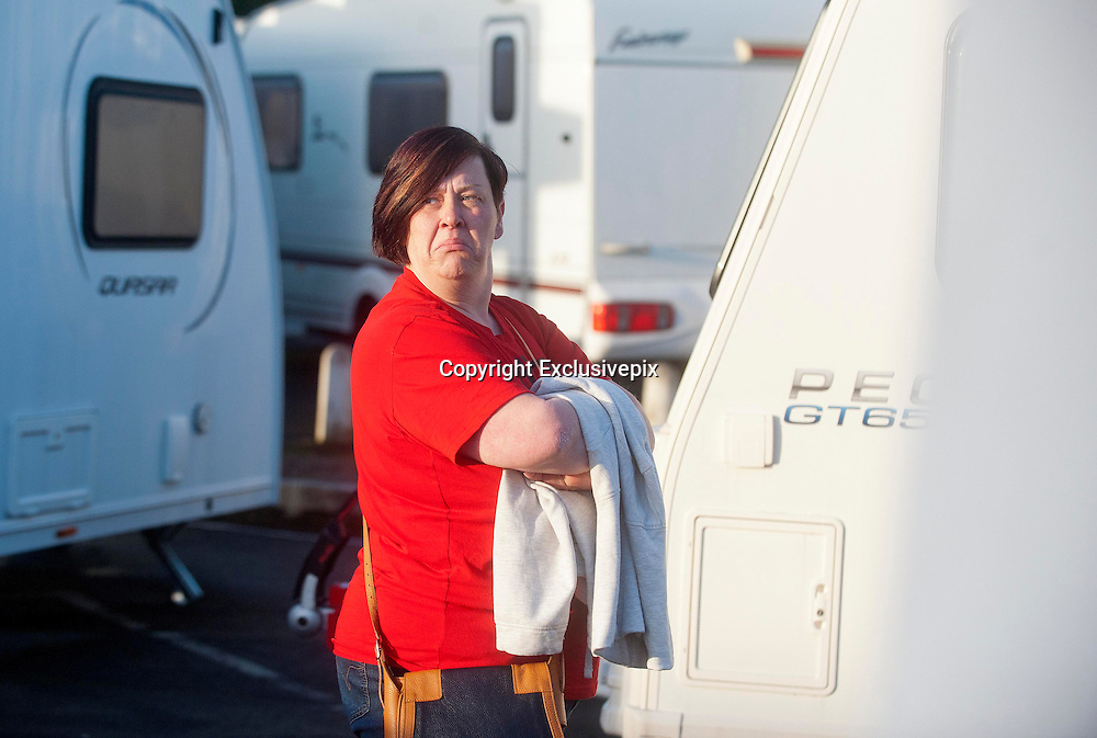 EXCLUSIVE <br /> White Dee Pictured is Benefits Street star Dee Kelly &quot; White Dee &quot; looking at Caravans at Chichester Caravans, Birmingham<br /> &copy;Exclusivepix
