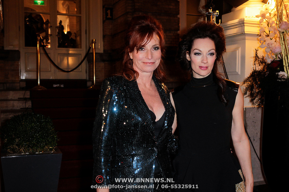 NLD/Amsterdam/20121112 - Beau Monde Awards 2012, Marian Mudder en Miryanna van Reeden
