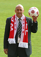 Photo: Dave Linney.<br />Walsall Press Conference. 03/05/2006.<br />New Wfc Mgr Richard Money