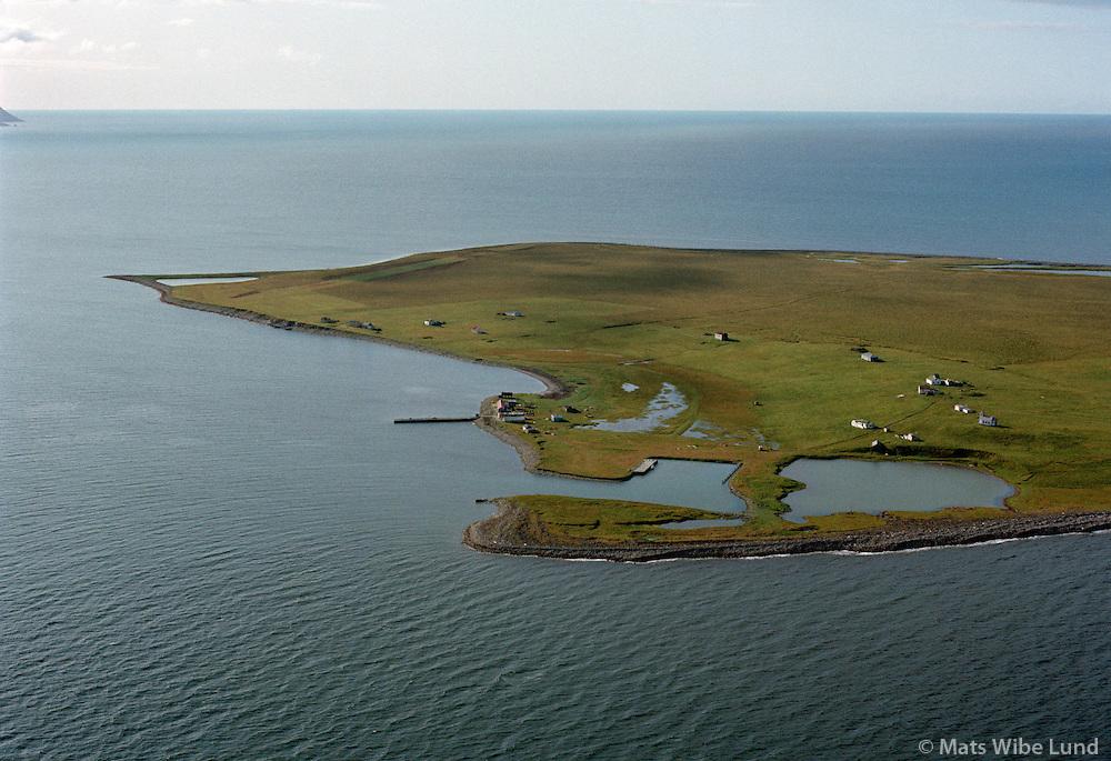 Flatey, Skjálfandi, séð til norðvesturs, Þingeyjarsveit ( áður Ljósavatnshreppur, Flateyjarhreppur) /.Flatey, Skjalfandi viewing northwest. Thingeyjarsveit (former Ljosavatnshreppur, Flateyjarhreppur)