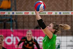26-10-2019 NED: Dros Alterno - Set Up 65, Apeldoorn<br /> Round 4 of Eredivisie volleyball - Daphne Broekhuis #7 of Alterno