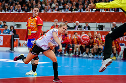 15-12-2019 JAP: Final Netherlands - Spain, Kumamoto<br /> The Netherlands beat Spain in the final and take historic gold in Park Dome at 24th IHF Women's Handball World Championship / Danick Snelder #10 of Netherlands