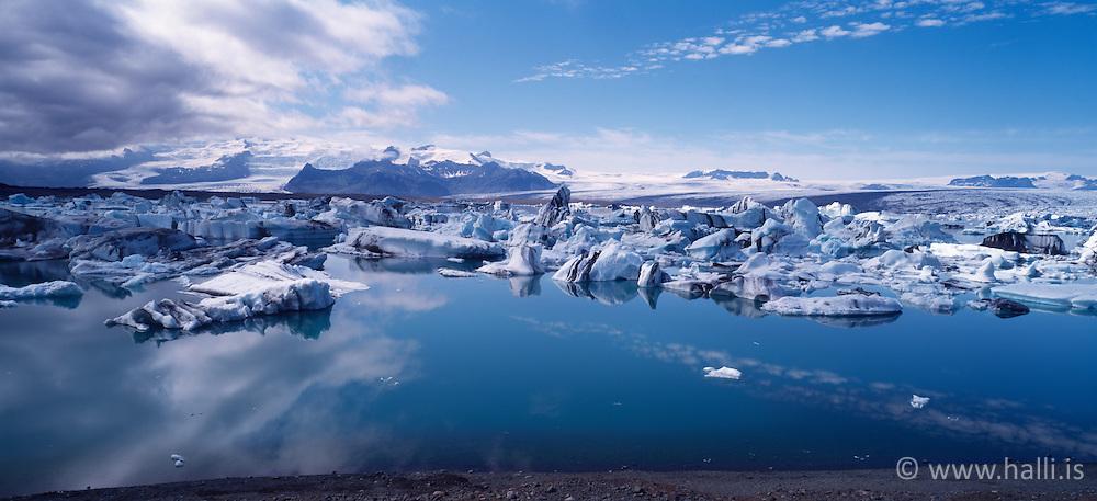 The lake Jokulsarlon, Iceland - Jökulsárlón