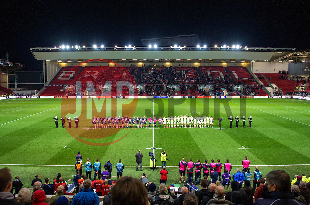 A minute silence at Ashton Gate - Mandatory by-line: Paul Knight/JMP - 11/11/2016 - RUGBY - Ashton Gate - Bristol, England - Bristol Rugby v Sale Sharks - Anglo Welsh Cup
