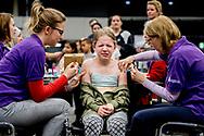 rotterdam - Op woensdag 11 april organiseren wij een vaccinatiedag bij Rotterdam Ahoy meer dan 8000 kinderen worden vandaag ingent tegen HPV, DTP en BMR ROBIN UTRECHT