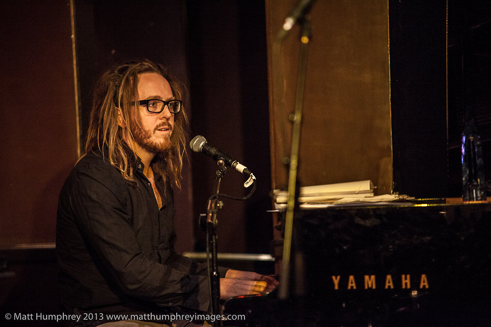 Tim Minchin during rehearsal for BBC Radio 2 pilot of 'Joe Stilgoe: One Night Stand' at Ronnie Scott's Jazz Club, London, February 2013. Mandatory credit for all image use online or printed. Copyright and credit to © Matt Humphrey. All rights reserved.