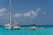 Grand Cayman. Boat excursion. Stingray City.