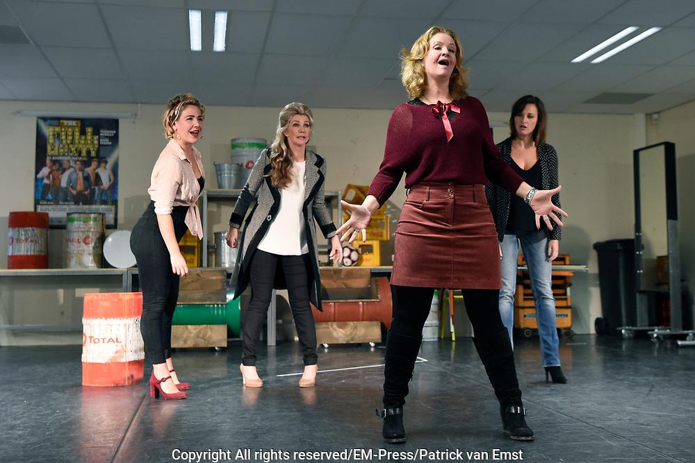 Perspresentatie van de musical The Full Monty<br /> <br /> Op de foto:  Hilke Bierman , Julia Herfst, Brigitte Nijman en Brigitte Heitzer