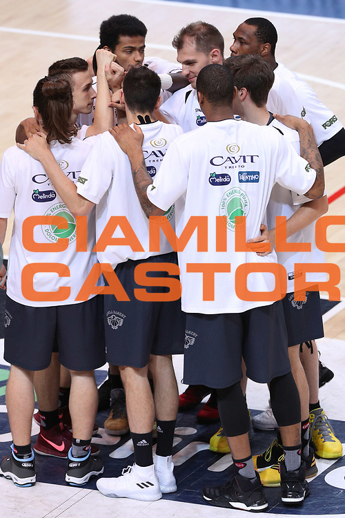 Ingresso in campo Dolomiti Energia Trentino, Dolomiti Energia Trentino vs Umana Reyer Venezia LBA Serie A Playoff Finale gara 6 stagione 2016/2017 Pala Trento, Trento 20 giugno 2017