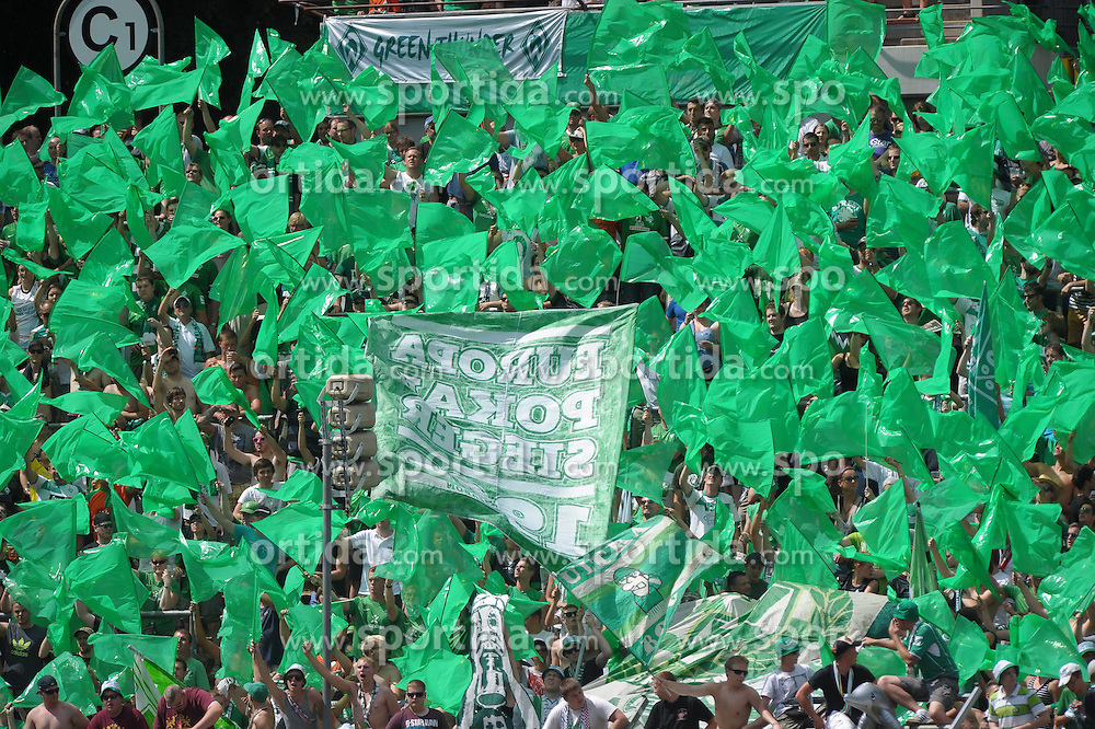 04.08.2013, Ludwigsparkstadion, Saarbruecken, GER, DFB Pokal, 1. FC Saarbruecken vs SV Werder Bremen, 1. Runde, im Bild Der Bremer Fanblock in gruen // during germans DFB Pokal 1st round match between 1.FC Saarbruecken and SV Werder Bremen at the Ludwigsparkstadion, Saarbruecken, Germany on 2013/08/04. EXPA Pictures &copy; 2013, PhotoCredit: EXPA/ Eibner/ Spektrum<br /> <br /> ***** ATTENTION - OUT OF GER *****
