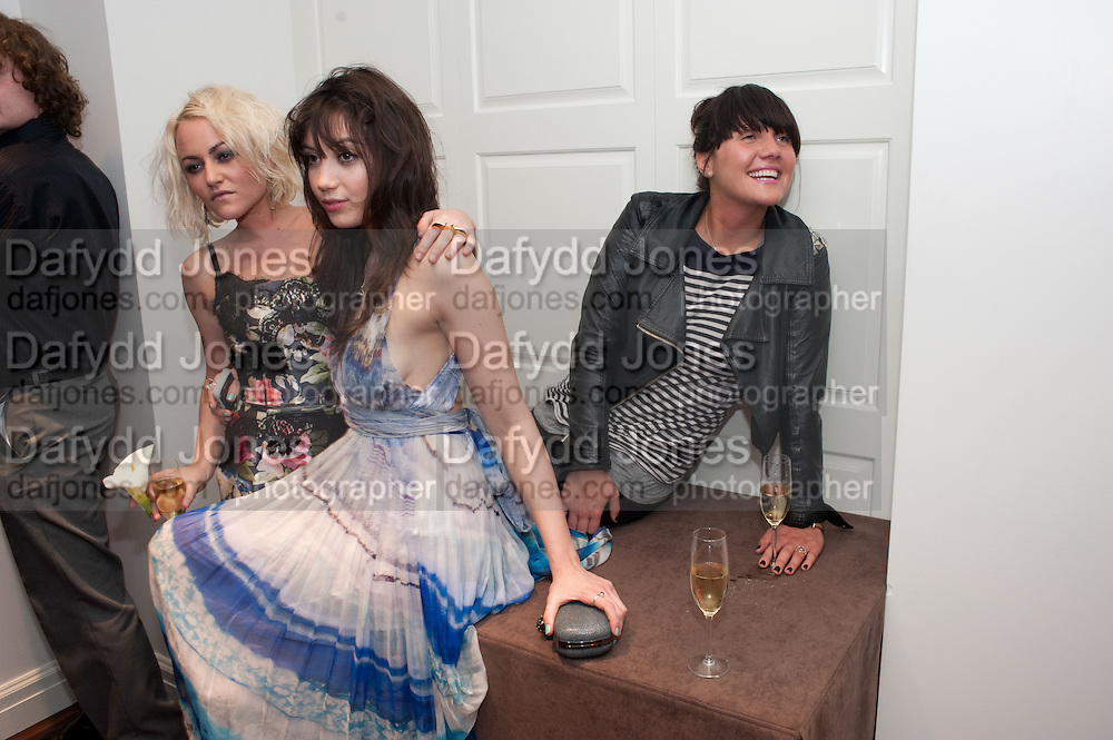 JAIME WINSTONE; DAISY LOWE; EMILY SONNET, The after-party after the premiere of Duncan Ward&Otilde;s  film &Ocirc;Boogie Woogie&Otilde; ( based on the book by Danny Moynihan). Westbury Hotel. Conduit St. London.  13 April 2010<br /> JAIME WINSTONE; DAISY LOWE; EMILY SONNET, The after-party after the premiere of Duncan Ward&rsquo;s  film &lsquo;Boogie Woogie&rsquo; ( based on the book by Danny Moynihan). Westbury Hotel. Conduit St. London.  13 April 2010
