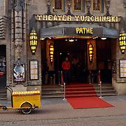 Pathe bioscoop Tuschinski Amsterdam, entree, ingang, voorkant,