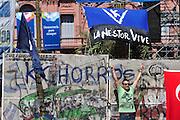 BUENOS AIRES, ARGENTINA, 10.12.2013 - PROTESTO BUENOS AIRES - Com uma manifestação massiva em frente à Casa Rosada, Argentina comemora de 30 anos de governos democráticos contínuos após a última ditadura militar que governou o país entre 1976 e 1983. (Foto: Patricio Murphy / Brazil Photo Press).