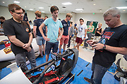De VeloX 7 wordt technisch gekeurd. Het Human Power Team Delft en Amsterdam, dat bestaat uit studenten van de TU Delft en de VU Amsterdam, is in Amerika om tijdens de World Human Powered Speed Challenge in Nevada een poging te doen het wereldrecord snelfietsen voor vrouwen te verbreken met de VeloX 7, een gestroomlijnde ligfiets. Het record is met 121,44 km/h sinds 2009 in handen van de Francaise Barbara Buatois. De Canadees Todd Reichert is de snelste man met 144,17 km/h sinds 2016.<br /> <br /> With the VeloX 7, a special recumbent bike, the Human Power Team Delft and Amsterdam, consisting of students of the TU Delft and the VU Amsterdam, wants to set a new woman's world record cycling in September at the World Human Powered Speed Challenge in Nevada. The current speed record is 121,44 km/h, set in 2009 by Barbara Buatois. The fastest man is Todd Reichert with 144,17 km/h.