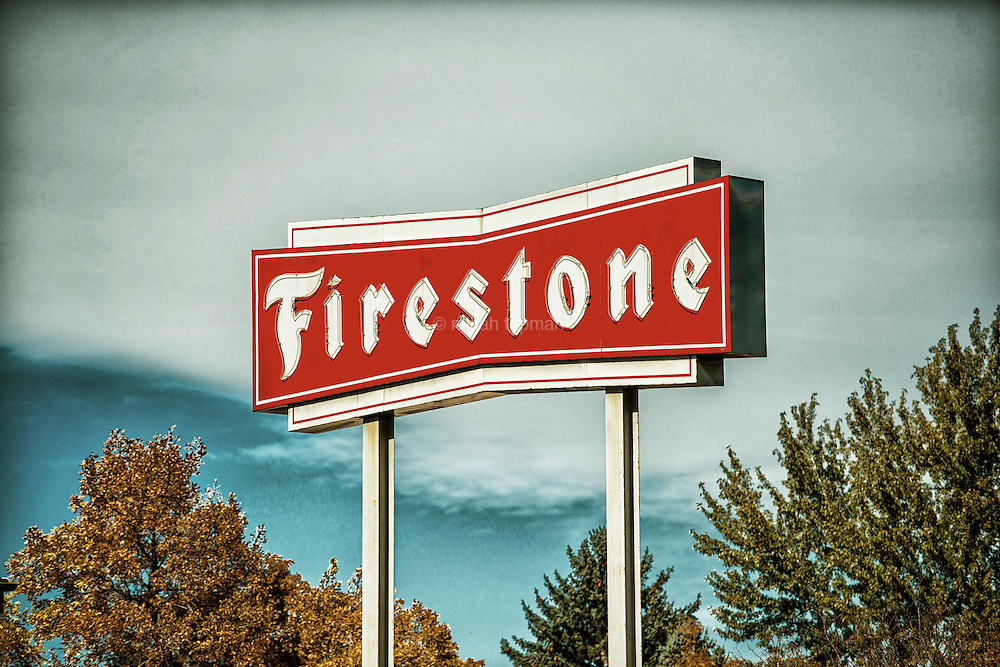 This Firestone sign sits just east of Bonnie Brae in a more developed area off of Colorado Blvd. It stands out both for it's height and the retro look opposite gleaming modern buildings.