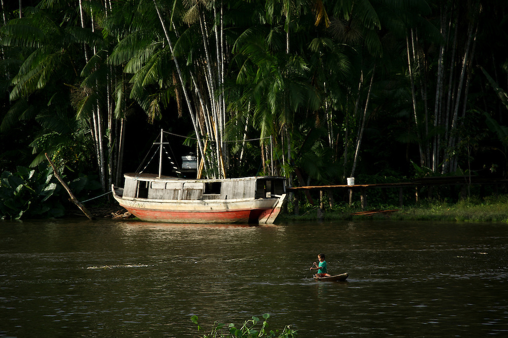 May 9th 2006. Sailing onboard the MY Arctic Sunrise on the Amazon river from Belem to Santarem.
