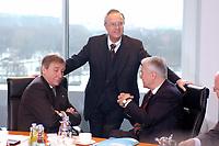 05 FEB 2003, BERLIN/GERMANY:<br /> Wolfgang Clement (L), SPD, bundeswirtschaftsminister, Hans Eichel, SPD, Bundesfinanzminister (M), und Manfred Stolpe (R), SPD, Bundesverkehrsminister, im Gespraech, vor Beginn der Kabinettsitzung, Bundeskanzleramt<br /> IMAGE: 20030205-01-028<br /> KEYWORDS: Kabinett, Sitzung, Gespräch