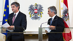 14.05.2013, Bundeskanzleramt, Wien, AUT, Bundesregierung, Pressefoyer nach Sitzung des Ministerrats, im Bild v.l.n.r. Vizekanzler und Bundesminister .fuer europaeische und internationale Angelegenheiten Dr. Michael Spindelegger OeVP und Bundeskanzler Werner Faymann SPOe // f.l.t.r. Vice chancellor and Minister of Foreign Affairs Michael Spindelegger OeVP and Federal Chancellor Werner Faymann SPOe during press foyer after  council of ministers, Chancellors office, Vienna, Austria on 2013/05/14, EXPA Pictures © 2013, PhotoCredit: EXPA/ Michael Gruber