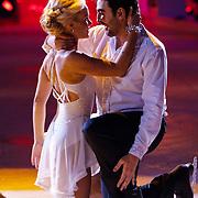 NLD/Hilversum/20130105 - 2de Liveshow Sterren Dansen op het IJs 2013, mimoun Ouled Radi en danspartner Kellyn Koeplinger