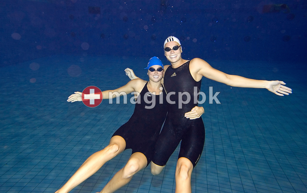 Julie STUPP (L) of the USA and Anne POLESKA (R) of Germany pose after the final session in the Schwimm- und Sprunghalle Europa Sportpark at the Fina Swimming World Cup in Berlin, Germany, Sunday 18 November 2007. (Photo by Patrick B. Kraemer / MAGICPBK)