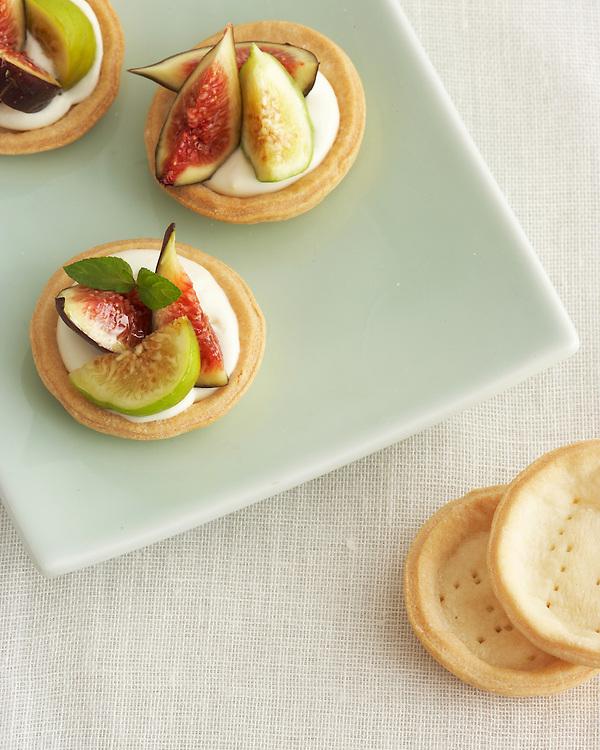 Mini Fig Pie with Honey Marscapone Creme
